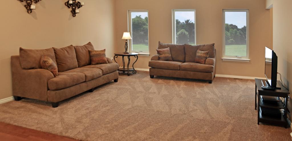 Cade's Cove - Living Room